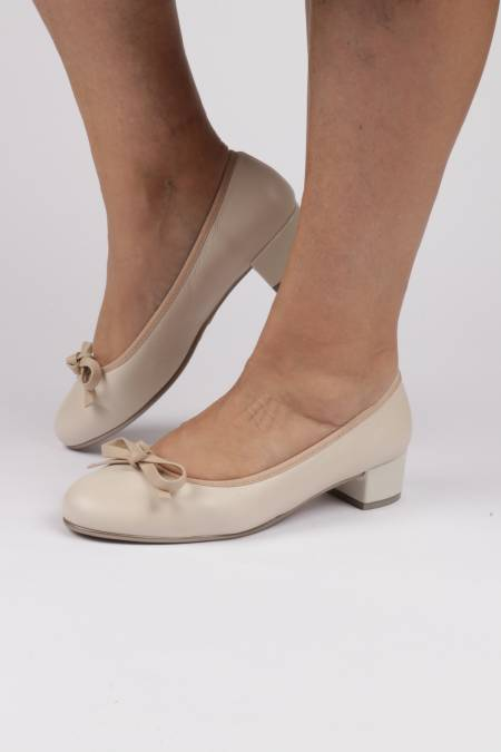 Comfortable heel shoes bow...