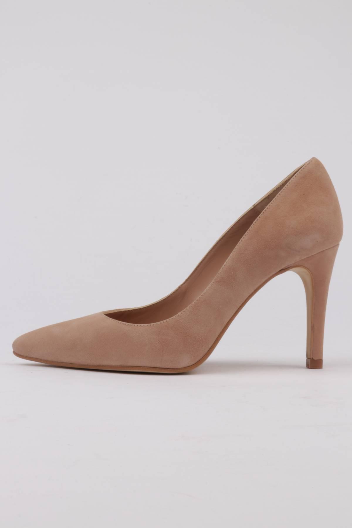 Shoes suede nude suit 9 cm.