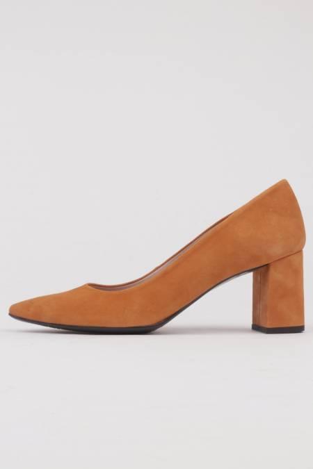 Zapatos salón punta fina...