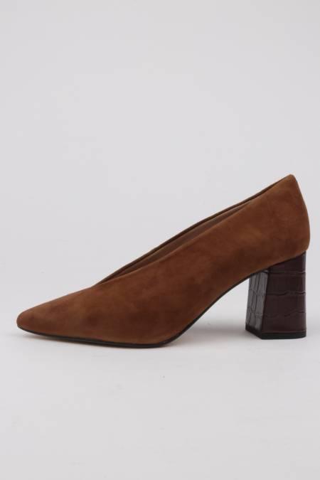 Zapatos tacón ancho y piel...
