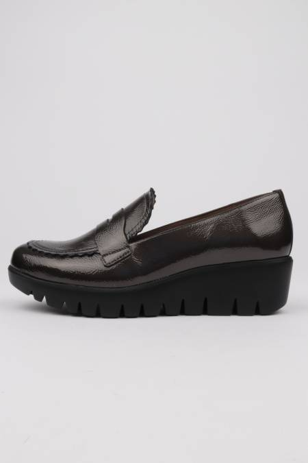 Women's loafers gray patent...