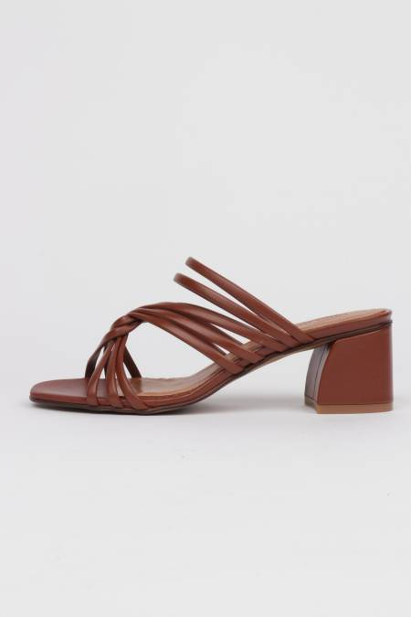 Brown leather heeled...