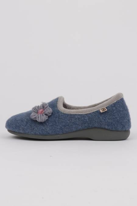 Woman home slippers flower...
