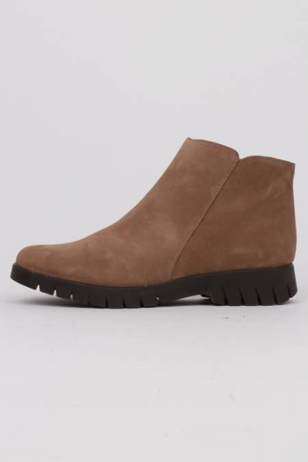 Woman suede ankle boots...