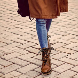 Woman lace-up ankle boots